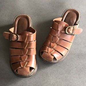 Passofino Brazil leather wooden buckle clogs